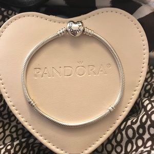 Jewelry - SOLD on Ⓜ️! Authentic Pandora Heart Clasp Bracelet
